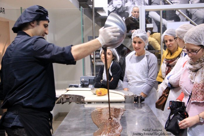 A chocolatier in action