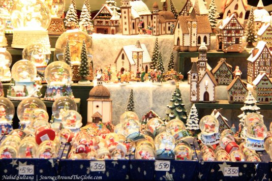 Christmas market in Residenzplatz in the old town of Salzburg