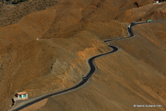Roads thru Atlas in Morocco