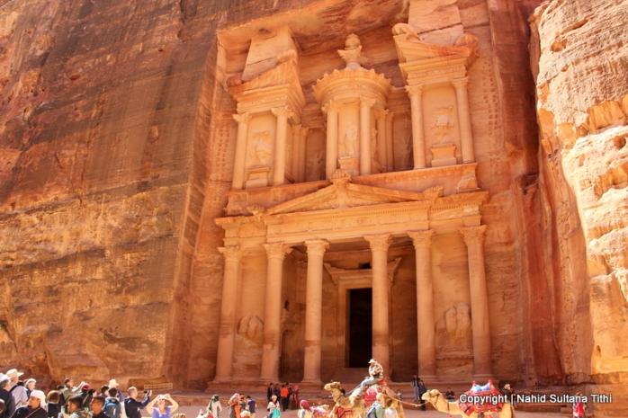 Al-Khazana (The Treasury) in Petra, Jordan