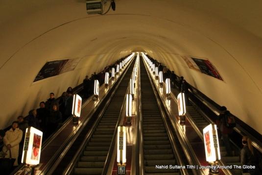 L-O-N-G stretch of Kiev's escalator in subways
