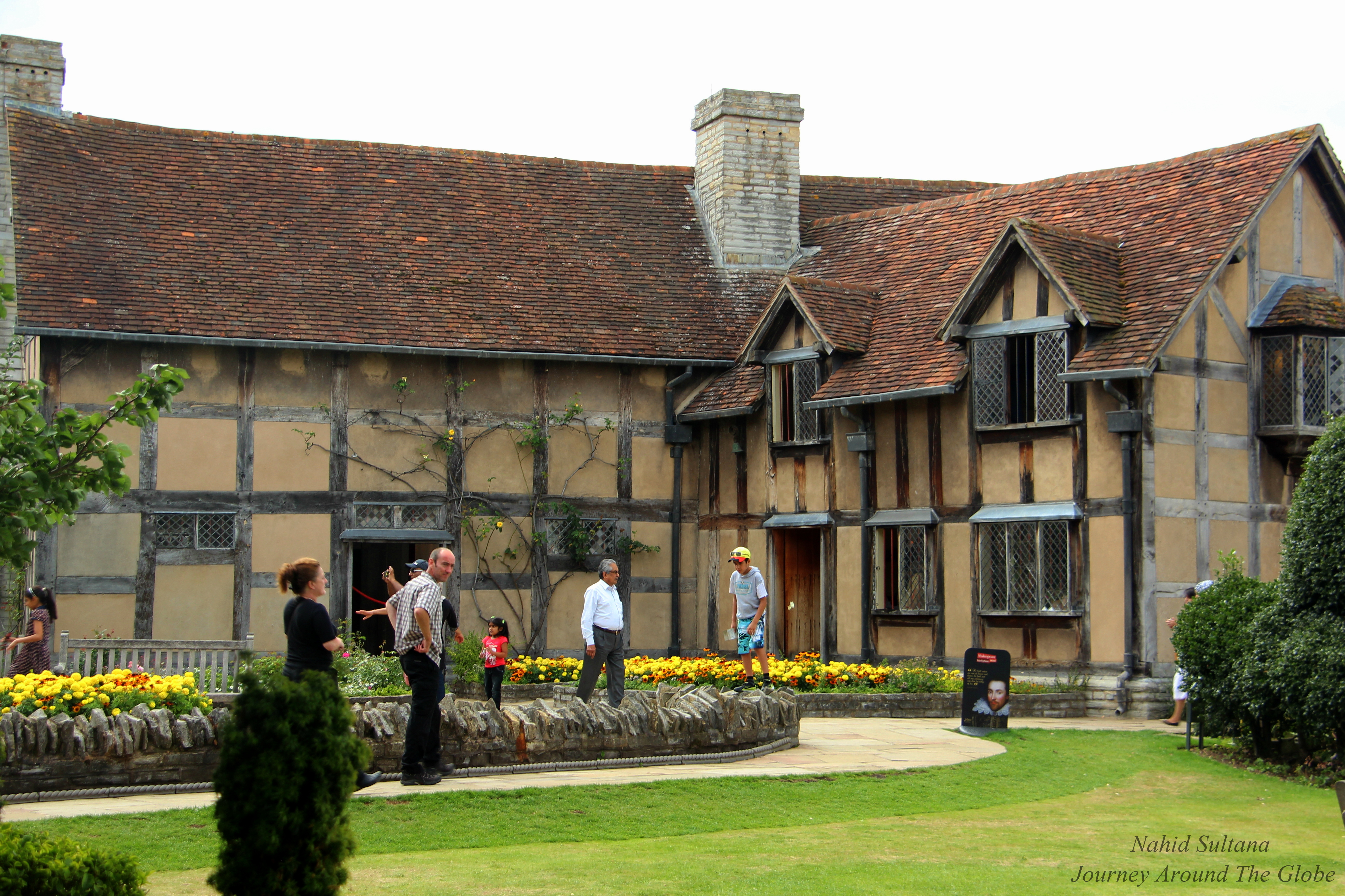 stratford upon avon girls Great savings on hotels in stratford-upon-avon, united kingdom online good availability and great rates read hotel reviews and choose the best hotel deal for your stay.