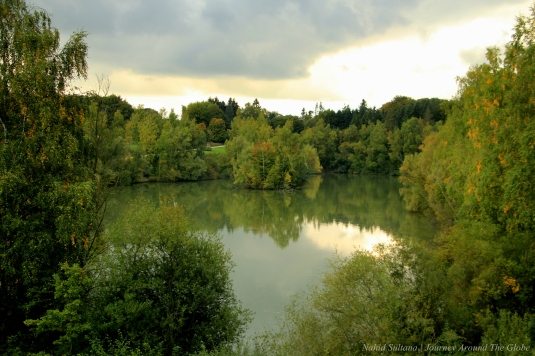 A small lake in front of the castle in Soignes Forest, Belgium