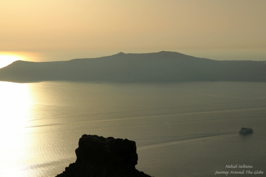 Looking at Island of Nea Kamini from Imerovigli