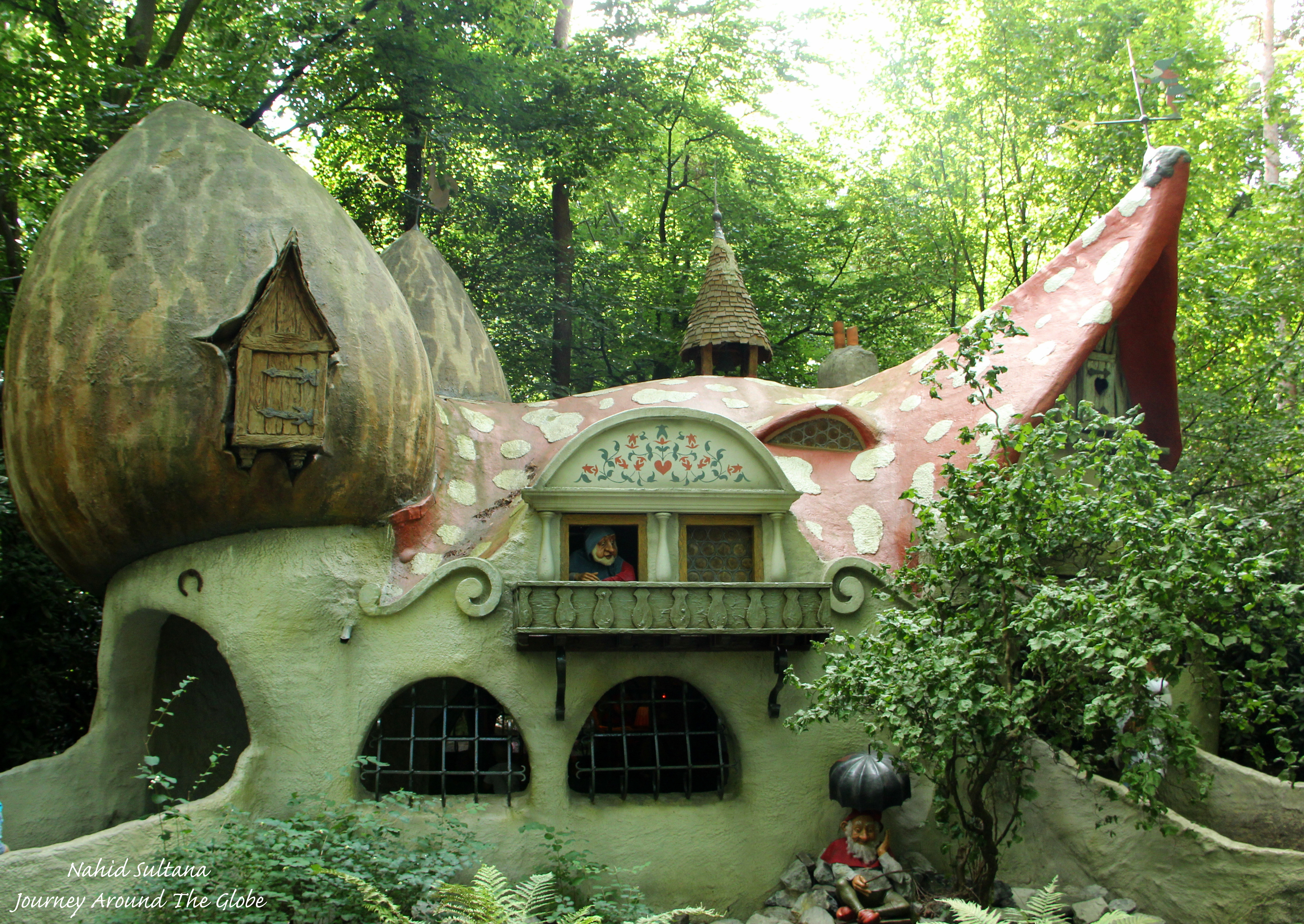 Efteling in kaatsheuvel journey around the globe - The water street magical town in holland ...