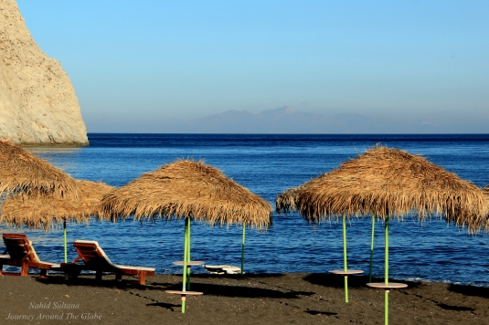 Perissa Beach - the best one in Santorini