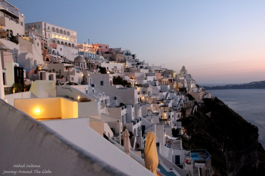 Fira after dark
