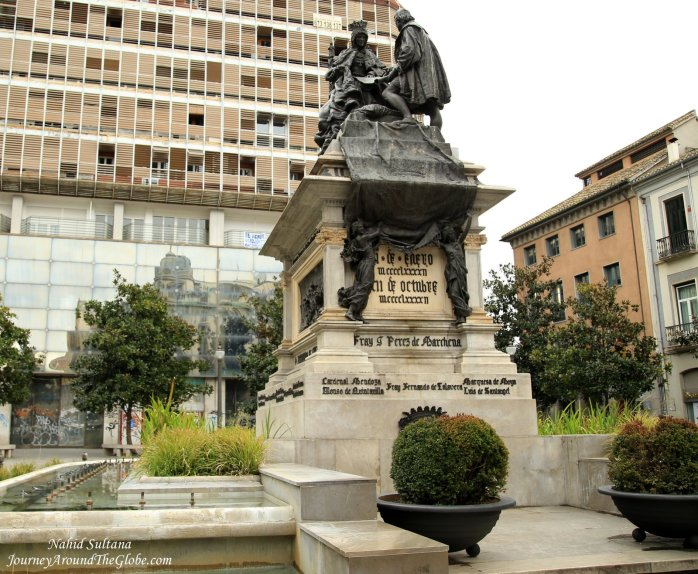 Statue of Queen Isabella and Christopher Columbus  in Plaza Isabella del Catolica - Granada, Spain