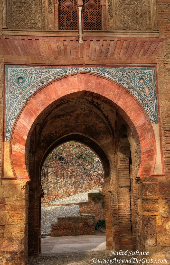 You will countless arch gates like this one in all over Alhambra