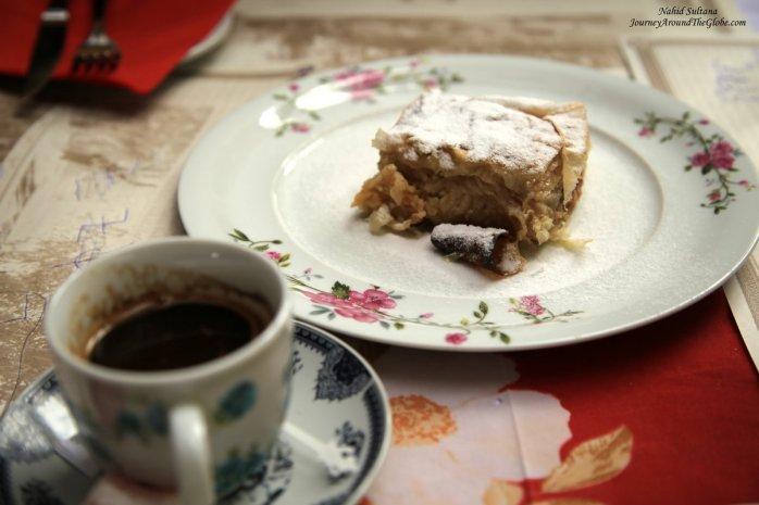 Serbian tea and apple pie for our snack in Skadarlija, Belgrade