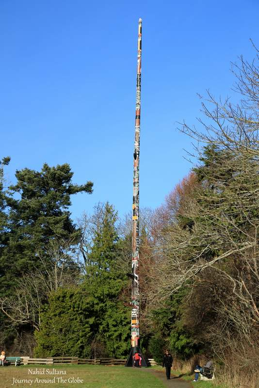 The tallest totem-pole in the world is located in Beacon Hill Park in Victoria, Canada