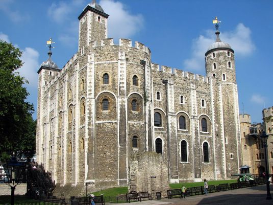 1024px-Tower_of_London_White_Tower