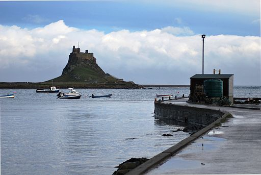 512px-Lindisfarne_Castle_from_Harbour