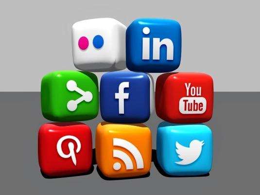 social-media-488886_960_720