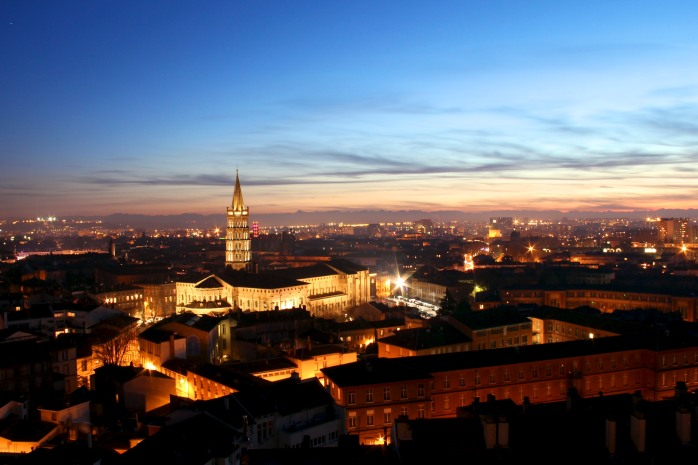 toulouse_by_night_with_basilique_saint-sernin