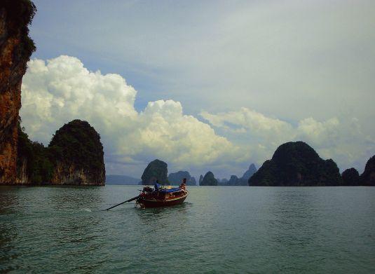 1024px-Phang_Nga_Bay