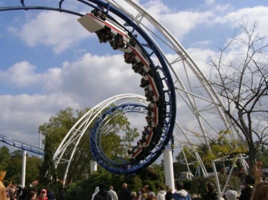 Cedar_Point_Ohio_056_Corkscrew