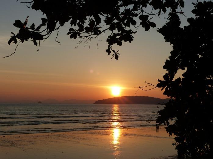 sunset-489427_1920.jpg